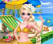 艾莎沙滩边泳池戏水
